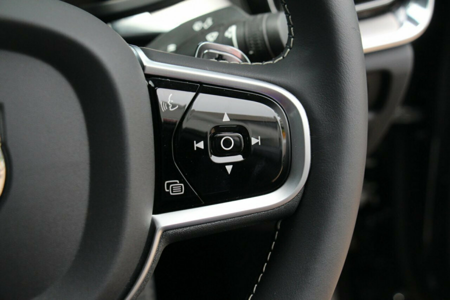 2019 MY20 Volvo S60 Z Series T5 R-Design Sedan Mobile Image 13