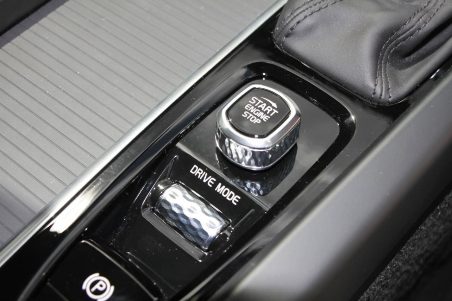 2020 Volvo XC60 UZ T5 Momentum Suv Image 14