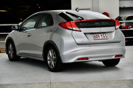 2013 Honda Civic 9th Gen MY13 VTi-S Hatch Image 3