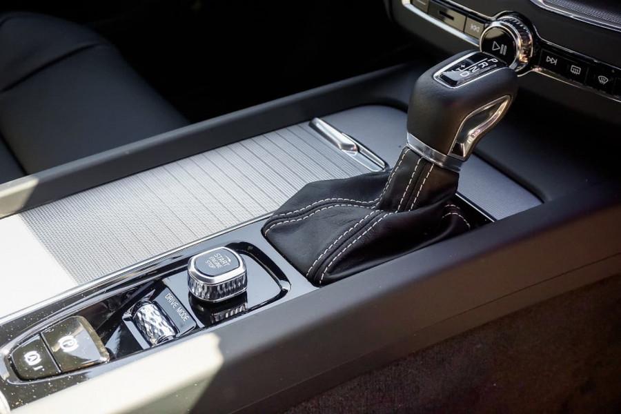 2018 Volvo XC60 UZ T6 R-Design Suv Mobile Image 13