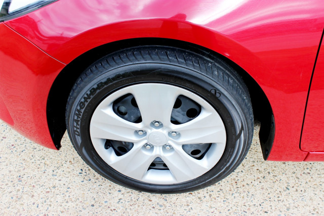 2017 Kia Cerato YD  S Hatchback Mobile Image 8