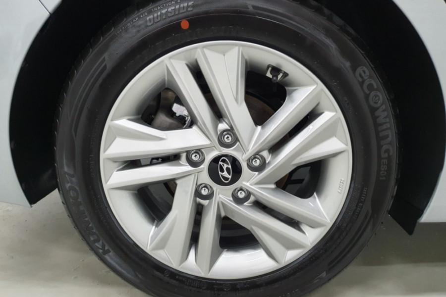2019 Hyundai Elantra AD.2 Active Sedan Image 9
