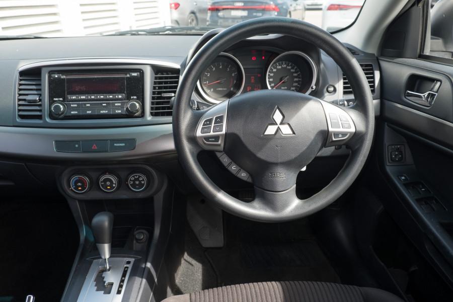 2013 Mitsubishi Lancer Image 16