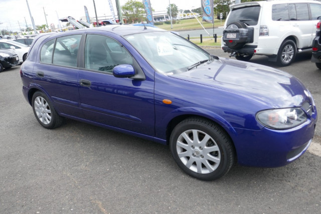 2002 Nissan Pulsar Hatchback 13 of 16