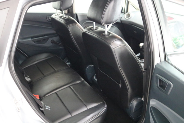 2012 Ford Fiesta WT CL Hatch Image 5