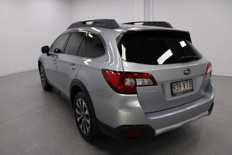2015 Subaru Outback Premium Image 4