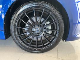 2016 Hyundai Veloster FS5 Series II Street Hatchback Image 4