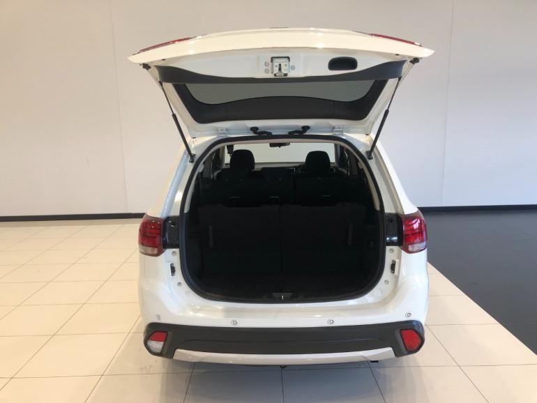 2017 Mitsubishi Outlander ZK LS Suv Image 14