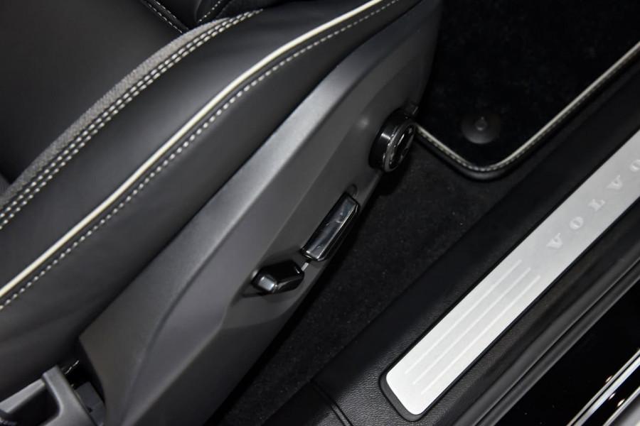 2021 Volvo XC60 UZ Recharge Suv Image 15