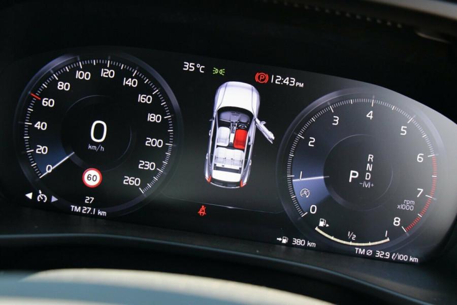 2019 Volvo XC40 XZ T4 Momentum Suv Mobile Image 11