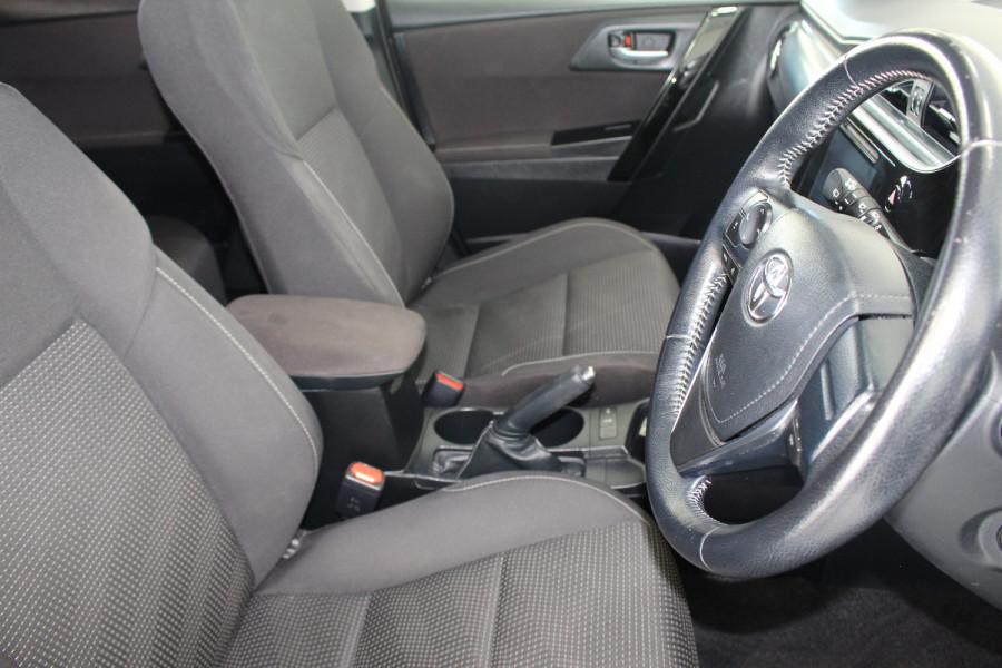 2017 Toyota Corolla ZRE182R ASCENT SPORT Hatchback Image 9