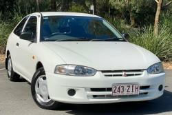 Mitsubishi Mirage CE