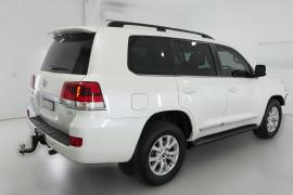2016 Toyota Landcruiser VDJ200R Sahara Suv Image 2
