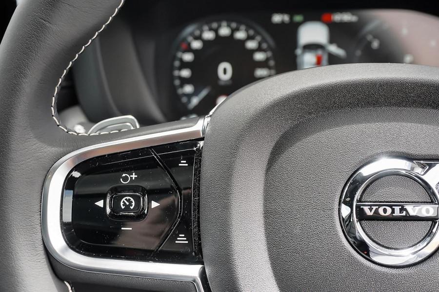 2019 MY20 Volvo XC60 UZ D5 R-Design Suv Mobile Image 9