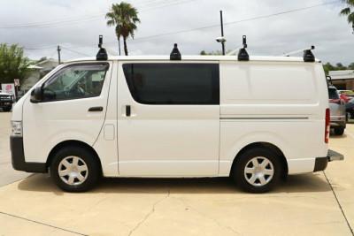 2015 Toyota Hiace KDH201R Van Image 4