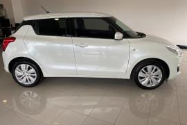 2019 Suzuki Swift AZ GL Navigator Hatchback Image 3
