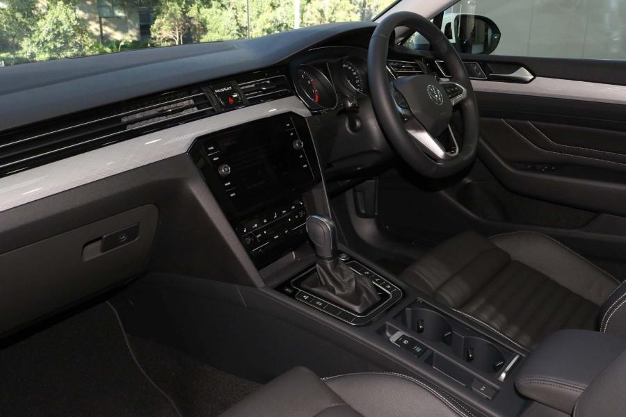 2021 Volkswagen Passat B8 140 TSI Business Sedan Image 7