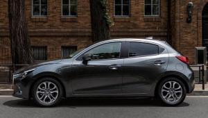 2 Mazda 2