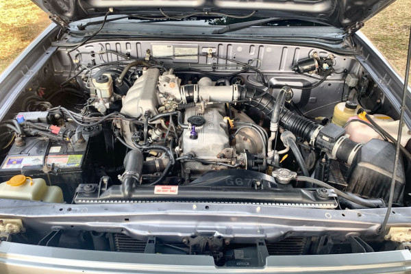 2005 Ford Courier PH GL Crew cab Image 3