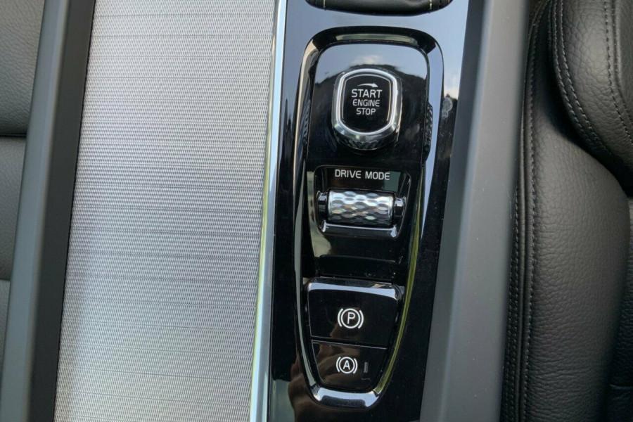 2018 MY19 Volvo XC60 246 MY19 D5 R-Design (AWD) Suv Mobile Image 16
