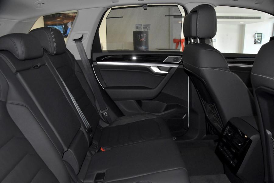 2020 MY21 Volkswagen Touareg CR 170TDI Suv Image 10