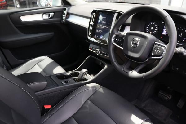 2018 Volvo Xc40 (No Series) MY19 T4 Momentum Suv Image 4