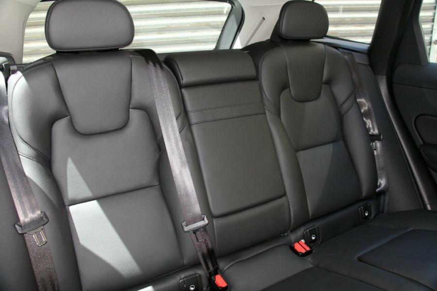2019 MY20 Volvo XC60 UZ T5 Momentum Suv Mobile Image 9