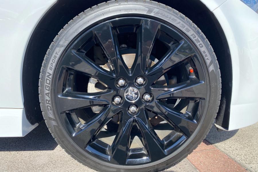 2016 Holden Commodore VF II  SV6 Black Utility Image 18