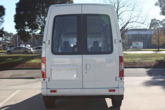 2018 MY17 LDV V80 LWB High Roof Van image 3