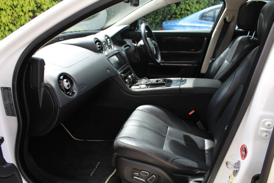 2015 Jaguar Xj X351 MY15 Premium Sedan Image 8