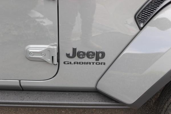 2021 Jeep Gladiator JT  V2 Night Eagle Night Eagle Utility - dual cab Image 2