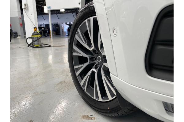 2021 Volvo XC90 L Series D5 Momentum Suv Image 3