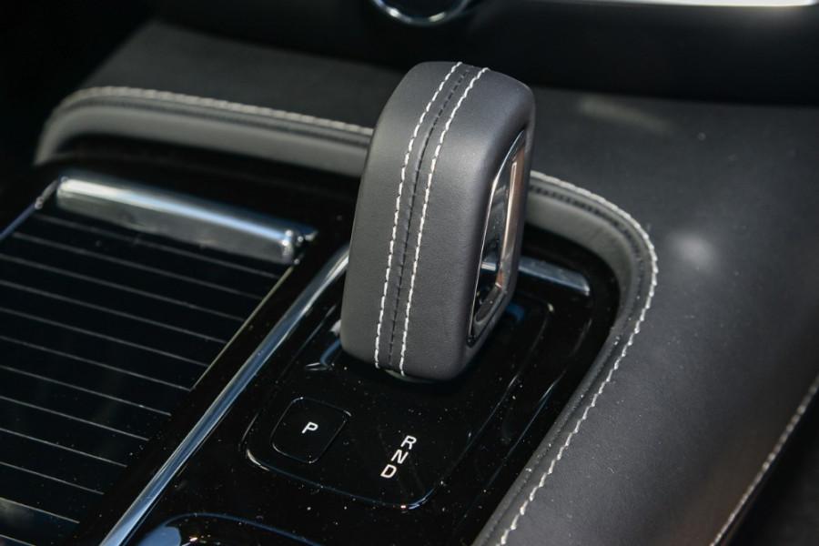 2019 MY20 Volvo S60 Z Series T8 R-Design Sedan Mobile Image 13