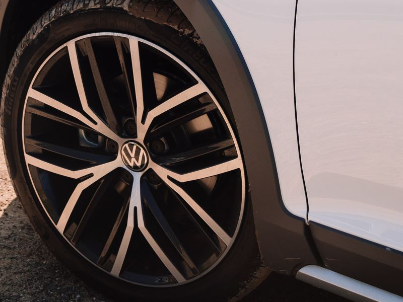 Carves its own path Alloy wheels Image
