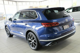 2019 Volkswagen Touareg CR Launch Edition Suv Image 3