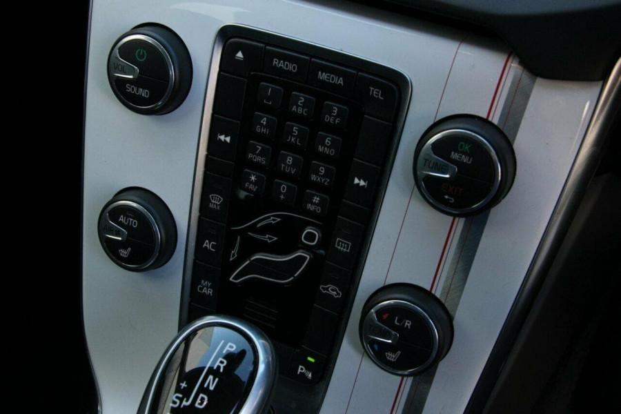 2014 MY15 Volvo V40 (No Series) MY15 T4 Kinetic Hatchback Mobile Image 15
