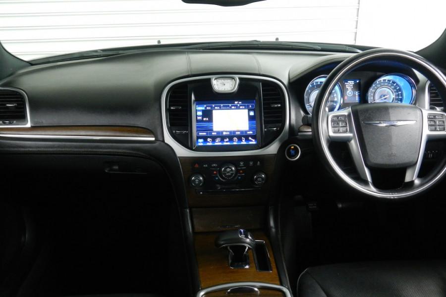 2012 MY13 Chrysler 300 LX C Sedan Mobile Image 9