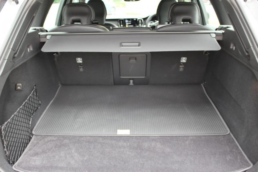 2020 Volvo XC60 UZ D5 R-Design Suv Image 12