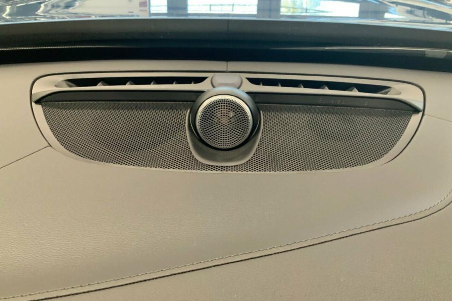 2018 MY19 Volvo XC90 256 MY19 D5 R-Design (AWD) Suv Mobile Image 18
