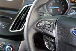 2016 Ford Focus LZ TREND Hatchback image 9