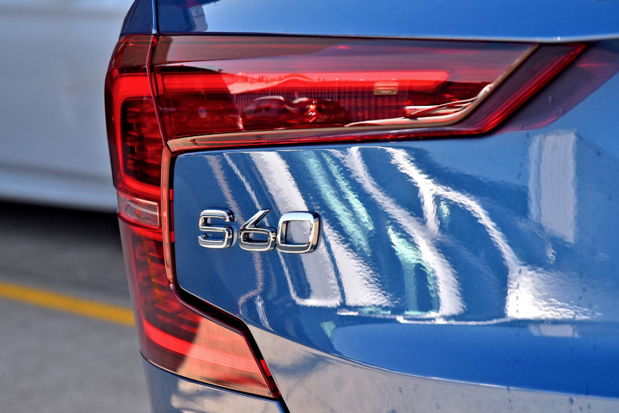 2020 Volvo S60 Z Series T8 R-Design Sedan Image 24