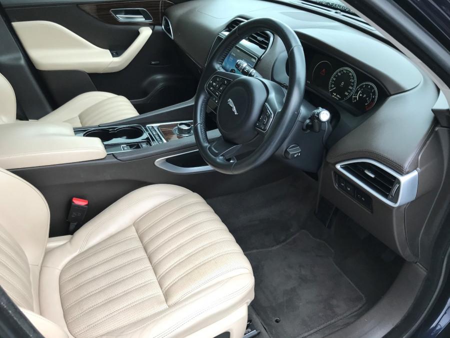 2016 MY17 Jaguar F-pace X761 MY17 35t Suv Image 6