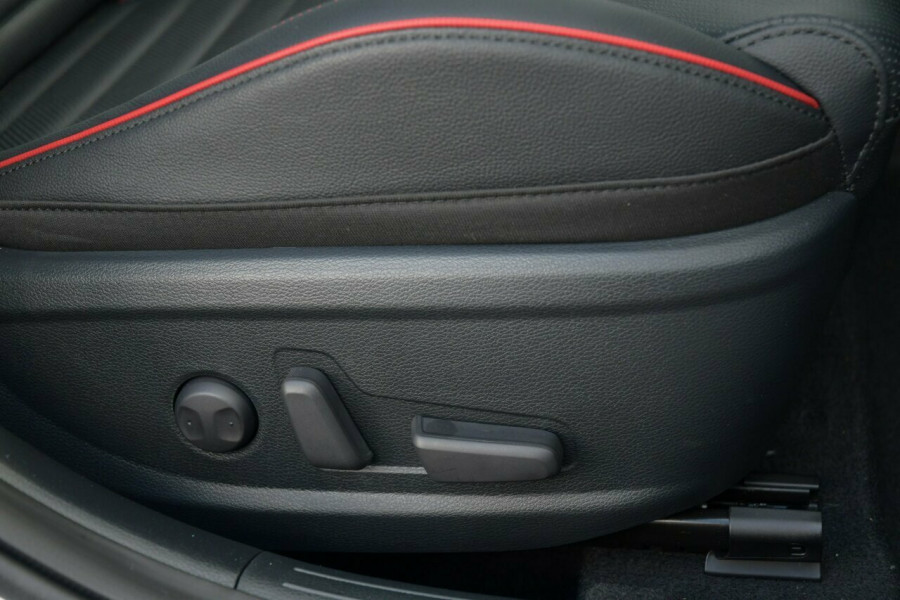2021 MY22 Kia Cerato BD MY22 GT DCT Hatchback Image 8
