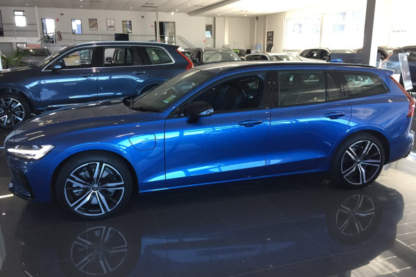 2019 MY20 Volvo V60 F-Series T8 R-Design Wagon Image 5