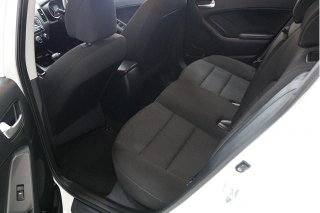 2016 Kia Cerato YD MY16 S Hatchback Image 5