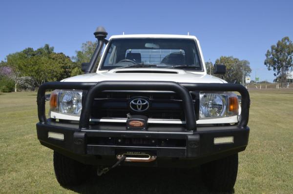 2016 Toyota Landcruiser VD CC Cab chassis
