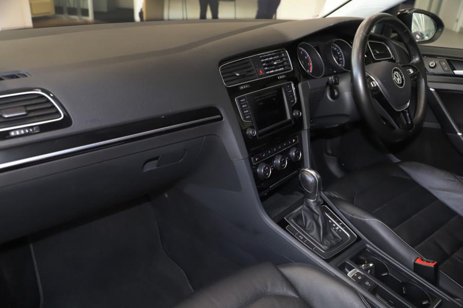 2016 MY17 Volkswagen Golf VII  110TSI Highline Hatch Image 8