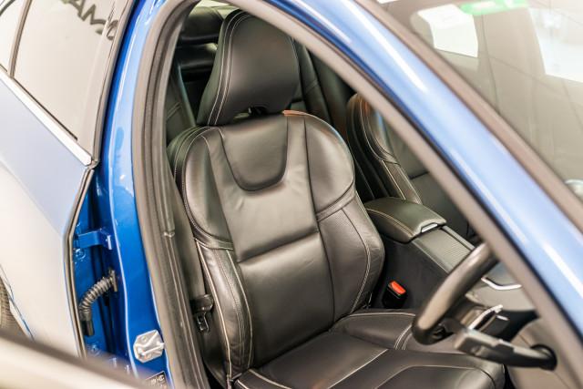 2016 MY17 Volvo S60 F Series T6 R-Design Sedan Image 21