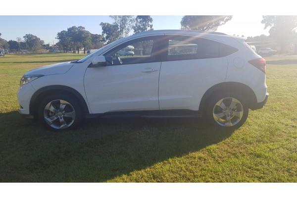 2017 Honda HR-V VTi-S Suv Image 4