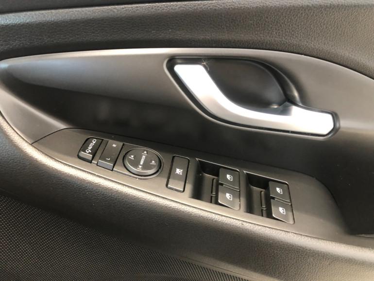 2018 Hyundai i30 PD Elite Hatchback Image 10